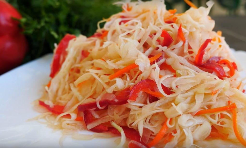 https://pixabay.com/id/photos/wortel-sehat-fermentasi-tradisional-4497968/